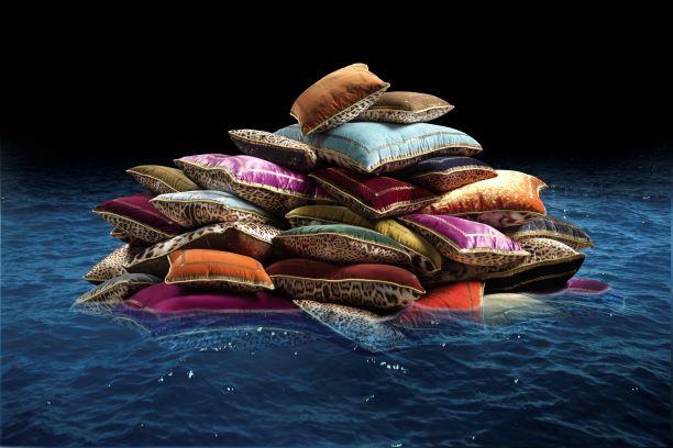 Farbenfroher Kissenstapel aus Samt von Roberto Cavalli